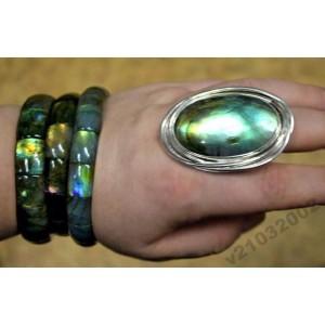 Кольцо из серебра 925 с ЛАБРАДОРОМ