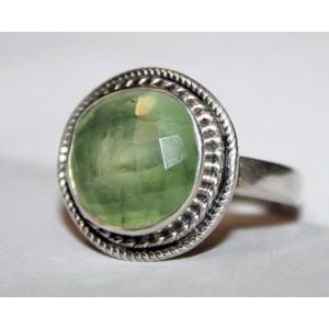 Нежный натуральный  ПРЕНИТ огранка, серебро, кольцо, размер 19