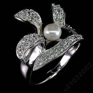 Природный ЖЕМЧУГ и белый топаз. Кольцо из серебра с покрытием платиной, родирование
