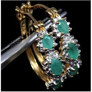СЕРЬГИ с природными ИЗУМРУДАМИ + 2 бриллианта, золото, серебро