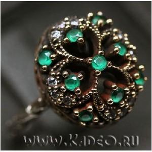 Кольцо ОСМАНСКОЕ с зелеными АГАТАМИ в серебре с позолотой, р. 16,5