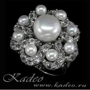 """Перстень """"Царица"""" с природным ЖЕМЧУГОМ и белыми ТОПАЗАМИ в золоте и серебре. Кольцо, перстень размер 19"""
