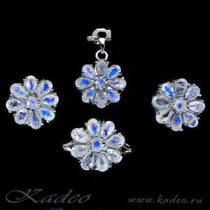Комплект: ЛУННЫЙ КАМЕНЬ: серьги, кольцо, подвеска в золоте и серебре: *Лунные цветы*