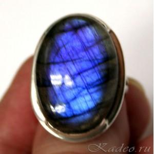 Кольцо с Черным Лунным камнем - ЛАБРАДОРОМ в серебре
