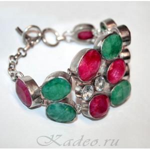 Крупный серебряный браслет с рубинами и изумрудами