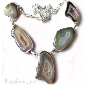 Слайсы и жеоды природного халцедонового АГАТА, кристаллы в серебре. Колье