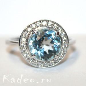 Кольцо с 10 мм ТОПАЗОМ SKY BLUE и WHITE ТОПАЗАМИ в платине и серебре