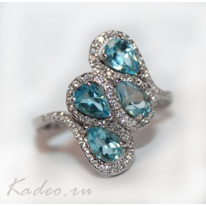 Кольцо с ТОПАЗОМ SWISS BLUE и WHITE ТОПАЗАМИ в платине и серебре