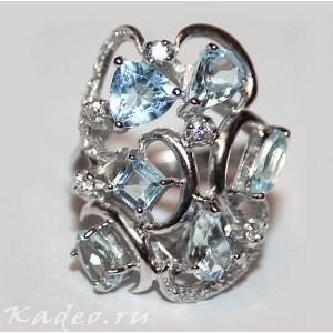 Кольцо с ТОПАЗАМИ, цвета SKY BLUE природный в платине и серебре, р. 17