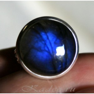 Кольцо с Черным Лунным камнем - ЛАБРАДОРОМ в серебре, р.17,25