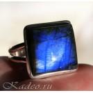 Кольцо с природным Черным Лунным камнем - ЛАБРАДОРОМ в серебре, размер 17