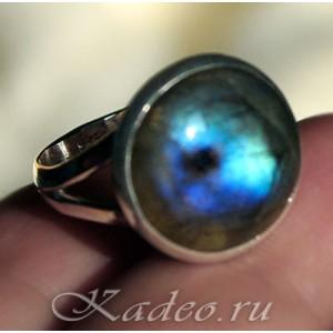 Кольцо с ЛАБРАДОРОМ / лабрадоритом в серебре, размер 17,5