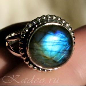 Кольцо из серебра с ЛАБРАДОРОМ * лабрадоритом, размер 17,5