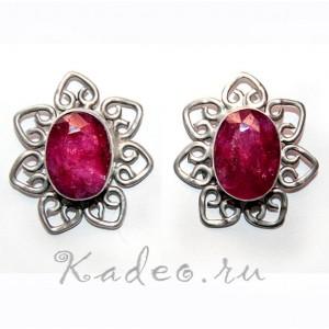 Серебряные СЕРЬГИ с природным РУБИНОМ - камнем защищающим жизнь и любовь. Серебро 925