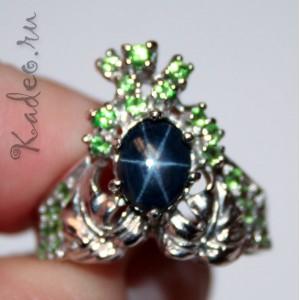 Кольцо с синим ЗВЕЗДЧАТЫМ САПФИРОМ + ЦАВОРИТЫ в золоте и серебре
