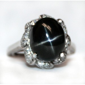 Чёрный Звездчатый ДИОПСИД - *След БОГА на Земле*, белые топазы в золоте и серебре. Кольцо