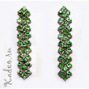 Полудрагоценный камень - зеленый гранат ЦАВОРИТ в серебре и платине. Длинные серьги, гранат, тсаворит