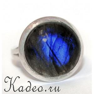 Кольцо ОБЕРЕГ с ЛАБРАДОРОМ лабрадоритом Тёмным Лунником или Вороньим глазом