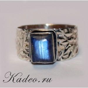 Перстень ОБЕРЕГ с ЛАБРАДОРОМ лабрадоритом Тёмным Лунником в серебре