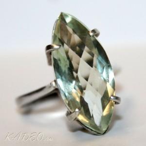 Зеленый АМЕТИСТ - ПРАЗИОЛИТ в серебре. Кольцо, перстень, размер 17,75-18