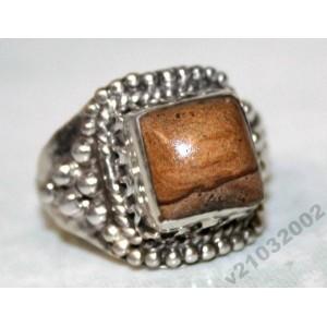 ЯШМА в серебре 925, кольцо , р. 18,5