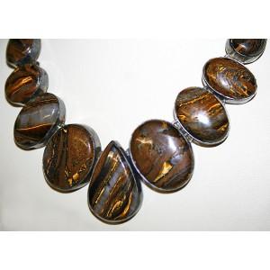 Колье - оберег с природным ДЖЕСПЕЛИТОМ - железным тигровым глазом в серебре